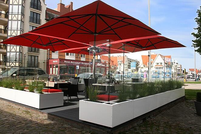 Multi Mast Cantilever Shade Outdoor Umbrellas