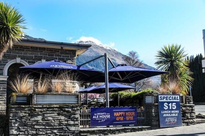 Branded Commercial cantilever outdoor umbrellas